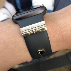 Heart Stud for Apple Watch & Fitbit Alta HR bands Army Watches, Watches For Men, Apple Watch Fashion, Apple Watch Bands, Apple Watch Straps, Apple Watch Accessories, Fashion Watches, Iphone, Rose Gold