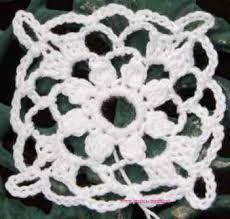 """Képtalálat a következőre: """"crochet flowers"""" Crochet Square Patterns, Crochet Squares, Cross Stitch Patterns, Granny Squares, Carnations, Crochet Flowers, Free Crochet, Crochet Earrings, Projects To Try"""