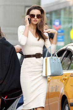 Modern Style Icon: Miranda Kerr via La Dolce Vita- love the dress. Sophisticated and chic. Looks Street Style, Looks Style, Office Fashion, Work Fashion, Dress Fashion, Street Fashion, Fashion Shoes, Fashion Handbags, Miranda Kerr Style