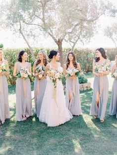 5bfd63a4533eee A Romantic Garden Wedding by the Sea at Klentner Ranch