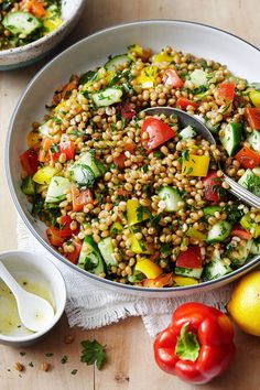 15 Hearty Vegan Salad Recipes that are full of incredible flavor and texture and will leave you satisfied! #karissasvegankitchen #cleaneating #healthysalads