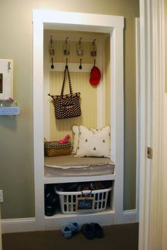Looking for a way to add a mud room to your house without the cost of hiring a construction crew? Try converting a hall closet into a more functional mini mudroom.