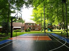 How fun is this!!?? I want an outdoor sport court so bad!! :)