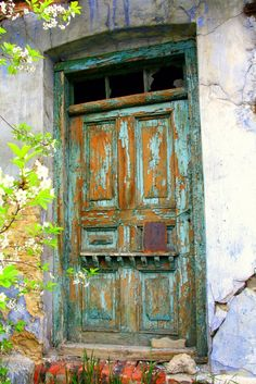 mysterious door ~ old house near the ruins of Ogrodzieniec castle ~ Poland Knobs And Knockers, Door Knobs, Door Handles, Cool Doors, Unique Doors, When One Door Closes, Vintage Doors, Door Gate, Rustic Doors