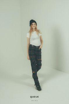 Enjoy the mood.  90`s fashion, 90s, grunge fashion, QUEUE, QUEUEware, women clothing, fw,16fw,17fw punk,check pants, check patchwork, Dr.martens