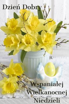 Photography Basics, Still Life Photography, Ikebana, Welcome Spring, Daffodils, Life Is Beautiful, Happy Easter, Floral Arrangements, Beautiful Flowers