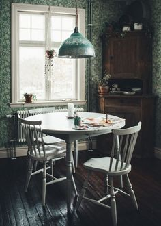 Dining room furniture ideas that are going to be one of the best dining room design sets of the year! Get inspired by these dining room lighting and furniture ideas! Dining Decor, Dining Room Lighting, Dining Room Design, Dining Area, Dining Rooms, Kitchen Dining, Casa Cook, Piece A Vivre, Best Dining