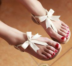 68 ideas for wedding shoes sandals summer boots Bow Sandals, Cute Sandals, Flat Sandals, Women Sandals, Simple Sandals, Flat Shoes, Pretty Shoes, Cute Shoes, Me Too Shoes