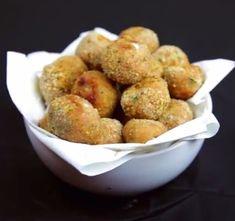 mozzarella Mozzarella, Baked Potato, Potatoes, Baking, Vegetables, Ethnic Recipes, Food, Potato, Bakken