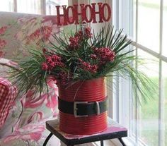 A very simple and cute idea for recycling old tins into decorations:)