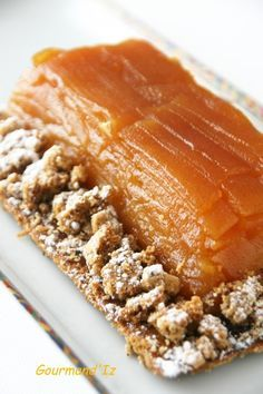 Tarte Tatin Conticini                                                                                                  ... Tart Recipes, Sweet Recipes, Cooking Recipes, French Desserts, Desserts To Make, Chefs, Puff And Pie, Fruit Crumble, Breakfast Pastries