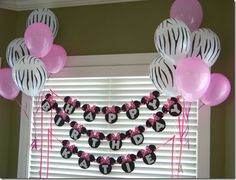 I like the balloons around the banner... Have to remember to do this :)