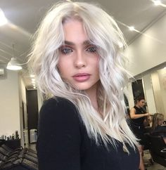 HERE IT IS Platnum blonde✂️ colour/ cut and texture by PETER THOMSEN #CHELSEAHAIRCUTTERS using @lorealproaus on @alexsinadinovic  #behindthechair #platinum #blonde #smartbond #blondehairdontcare #blondehair #platinumblonde #blowout #texture #blended #instahair #hair #allthingshair #lorealpro #lorealproaus #MRTHOMSEN #NOFILTER