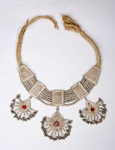 Yemen | Lazem necklace from the early 20th century | © Fundación Carlos Ballesta López