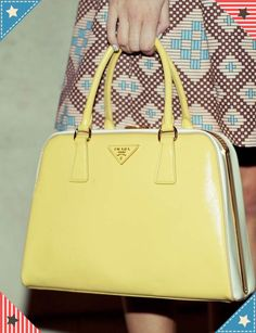 87c03f30cbf2 8 Best Handbags images
