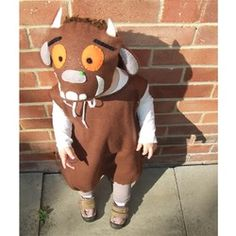 Awesome handmade monster costume for baby or toddler inspired by one of the kids favourite book The Gruffalo. Look how cute monster my daughter is and I am sure your little one look as good in it as my daughter does :)) The costume is unisex and is ver. Book Character Day, Book Character Costumes, World Book Day Costumes, Book Week Costume, Easy Costumes, Halloween Costumes, Costume Ideas, Recycled Costumes, Homemade Costumes