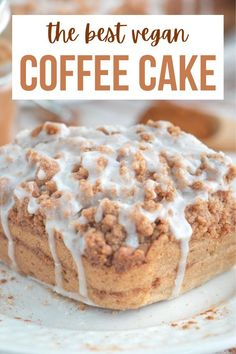 The best ever vegan coffee cake recipe with a brown sugar and cinnamon crumb topping, moist cake center and light and sweet glaze on top! #vegancoffeecake #vegancake #vegandesserts #veganbaking Healthy Vegan Desserts, Vegan Dessert Recipes, Delicious Vegan Recipes, Raw Food Recipes, Snack Recipes, Healthy Life, Dinner Recipes, Vegan Coffee Cakes, Chocolate Chip Blondies