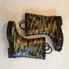 WESTERN CHIEF RAINBOOTS. Size 1 WESTERN CHIEF RAINBOOTS. Size 1. Used 1x Western chief  Shoes Winter & Rain Boots