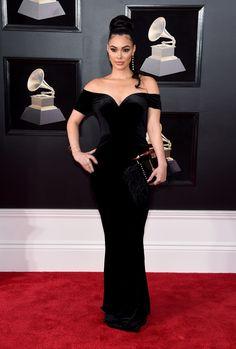 Grammy Awards 2018: Lana Del Rey's Sleek Bob and Starry Silver Headpiece