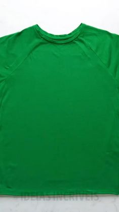 Tie Dye Crafts, Diy Crafts To Do, Diy Tie Dye Designs, Tie Dye Folding Techniques, Diy Tie Dye Shirts, Diy Fashion Hacks, Diy Mode, Tie Dye Patterns, Clothing Hacks