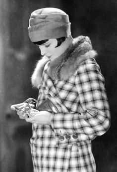 """Louise Brooks in """"Love 'Em and Leave 'Em"""" 1926 Louise Brooks, Hollywood Scenes, Classic Hollywood, Old Hollywood, Hollywood Actresses, Hollywood Glamour, Belle Epoque, Kansas, Divas"""