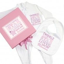 Twinkle Girls Pink Gift Set Baby grow and Bib from Personalised Gifts R Us personalised gift collection. Personalise this Twinkle Girls Pink Gift Box, Baby grow Personalised Childrens Gifts, Handmade Baby Gifts, Personalized Baby Gifts, Pink Gift Box, Pink Gifts, Sock Cupcakes, Baby Gift Sets, New Baby Girls, Baby Grows