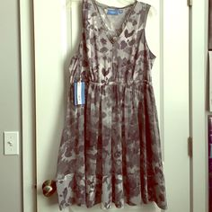 Simply Vera Vera Wang purple dress Brand new, Never worn ladies. It's from Kohls and it's called Indigo Ballet dress. Perfect for weddings, parties and whatever else u need to feel girly at. Simply Vera Vera Wang Dresses