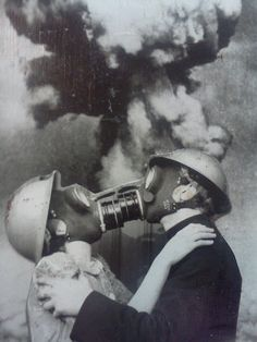 Final Kiss surreal nuclear apocalypse vintage portrait photo freaky , odd and very cool , the next big thing in romantic alternative wedding photos perhaps ? Gas Mask Art, Masks Art, Gas Masks, Old Photos, Vintage Photos, Famous Photos, Arte Obscura, Psy Art, Jolie Photo