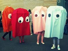 surreal costume moment funny real life photo pacman ghosts on the run through town o o Pacman Ghost Costume, Pac Man Costume, Ghost Costumes, Art Costume, Cool Costumes, Costume Ideas, Pacman Ghosts, Fall Halloween, Happy Halloween