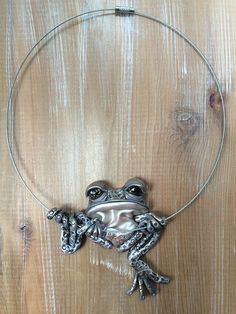 Gray Tree frog necklace | by melissa_terlizzi