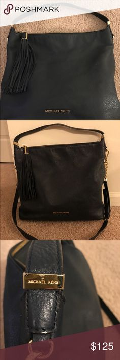 Michael Kors Leather Handbag Excellent Condition; can be carried as a hobo or cross body bag. Detachable straps; inside key chain and cell phone pocket MICHAEL Michael Kors Bags Shoulder Bags