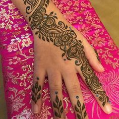 Easy and Simple Mehndi Design, Latest collection of Mehandi Design Best collection of easy and stylish mehndi design, 2019 best collection of Mehendi design. Mehendi Designs For Kids, Pretty Henna Designs, Stylish Mehndi Designs, Best Mehndi Designs, Arabic Mehndi Designs, Simple Mehndi Designs, Henna Tattoo Designs, Mehandi Designs, Henna Tattoos