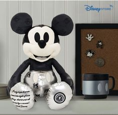 Mickey Mouse Memories January collection set