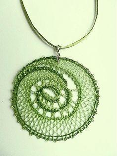 jewart / Prívesok lesnej víly Bobbin Lace Patterns, Tatting Patterns, Lace Jewelry, Jewelery, Bobbin Lacemaking, Lace Heart, Tatting Lace, Lace Making, Lace Design