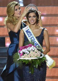 Pin for Later: 7 Choses à Savoir Sur Iris Mittenaere, la Nouvelle Miss France Iris est la deuxième Miss Nord-Pas-de-Calais à avoir été élue Miss France. Elle a, par la même occasion, offert à sa région un second titre consécutif après la victoire de Camille Cerf en 2015.