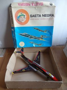 Vintage tin toy fighter jet plane aircraft SAETA NEGRA RICO Réf.63 with box 1960