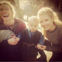 Resultado de imagen para ivar vikings actor