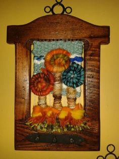 Telar decorativo en relieve