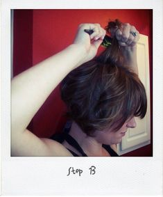 """I have spent the past several months trying to figure out how to curl my short hair.  I came across this pin and thought, """"No.  It can't be that quick and easy.""""  I just tried it and it is SO quick and easy and looks adorable!  I was making that wayyyy to difficult.  How to get loose waves in short hair!"""