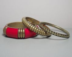 Vintage Set of Brass Bangles with Red Wood Detail/Set of Bangles/Indian Bangles/Boho Chic/Brass Jewellery/Indian Jewellery/Gift for Her
