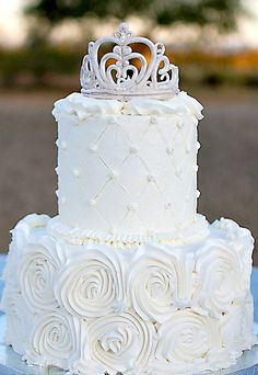 White Rose Tiara Cake