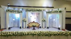 Best Stage Decoration Ideas For A Wedding In 2018 and After Wedding is the most beautiful moment in everyone life therefor decoration for it also should be perfect. Here are some amazing stage decoration ideas for wedding. Simple Stage Decorations, Engagement Stage Decoration, Wedding Hall Decorations, Marriage Decoration, Flower Decorations, Garland Wedding, Wedding Wall, Backdrop Decorations, Post Wedding