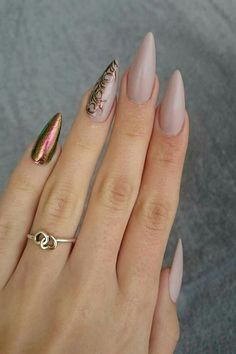 50 Gorgeous Nail Art Designs That Will Shimmer And Shine You Up Stiletto Nail Art, Nude Nails, Acrylic Nails, Pointy Nails, Stiletto Nail Designs, Fancy Nails, Trendy Nails, Hair And Nails, My Nails