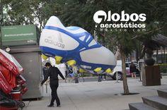 zapato de futbol messi, desfile bolofest, liverpool, globo gigante de helio para desfile