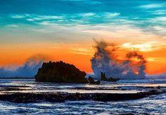 #Repost @greens_pics  Wave crash into the reefs at Shelly Beach Warrnambool #destinationwarrnambool #love3280 #warrnambool