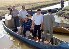 Eber Gölü'ne 130 bin yavru balık bırakıldı