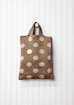 Polka Dot bag DIY. Do this on fabric with white dot paint or on brown lunch paper with white dot paint