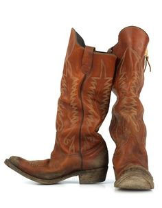 My mom wore cowboy boots just like this to do chores (feed cats, dog and sheep) every day.