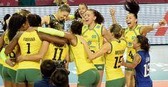 Brasileiras se abraçam e comemoram o decacampeonato do Grand Prix feminino