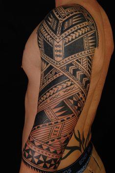 tat - love the Maori style on guys Tatau Tattoo, Samoan Tattoo, Polynesian Tattoo Designs, Maori Tattoo Designs, Shane Tattoo, Always Tattoo, Aztec Tribal Tattoos, Half Sleeve Tattoos Designs, Tattoo Trends